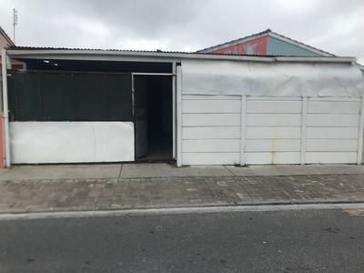 House For Sale in Lentegeur, Cape Town