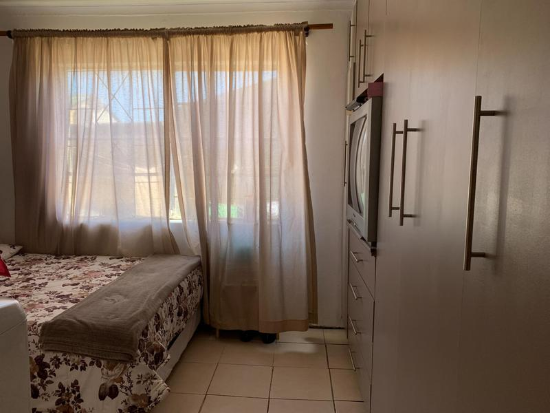 House For Sale in Mitchell's Plain, Cape Town